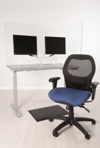 Sola LT with blue seat, black floor mat, height adjustable table dual adjustable monitor arms and desk shield